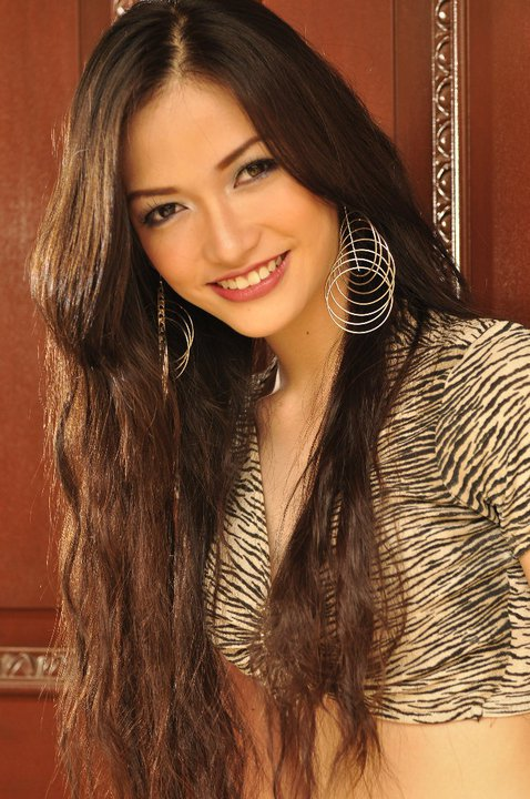 Lecelle Trinidad as Miss Global Teen Philippines 2012