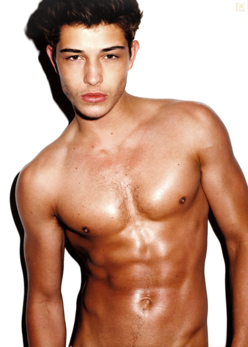 yup, francisco lachowski is gay! and he will soon release a statement ...