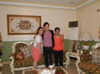 gerald with mrs. edejer and nanay bebot santiao, the president of Team Gerald!