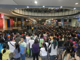 the great number of people who watched gerald's sm bicutan mall show.