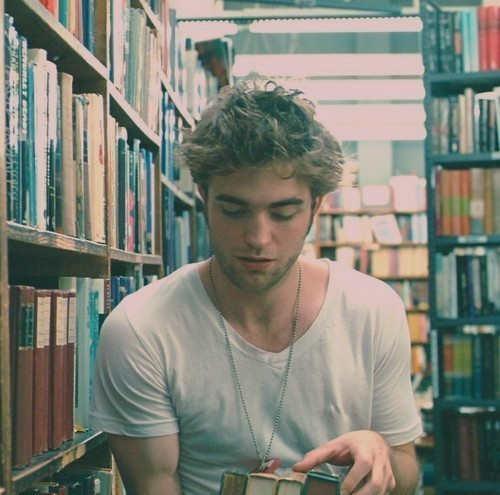robert pattinson and the girl who reads...