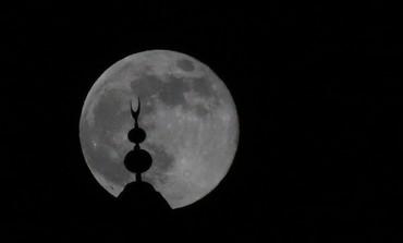 Super moon over the Tower of David in Jerusalem, June 23, 2013. Photo: Marc Israel Sellem/The Jerusalem Post