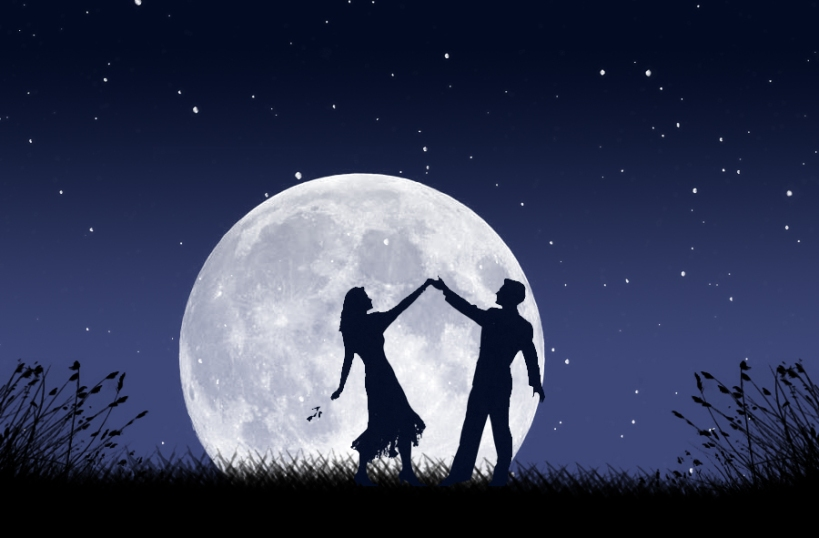 """""""dancing with the moon"""""""