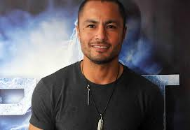 can a TV-movie actor like Derek ramsay be at par with the greatness of a theater actor?