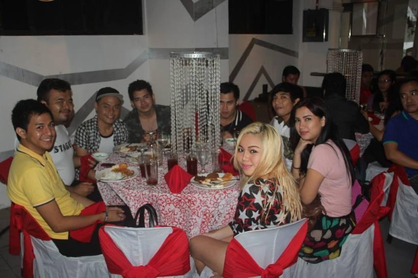 cast party2