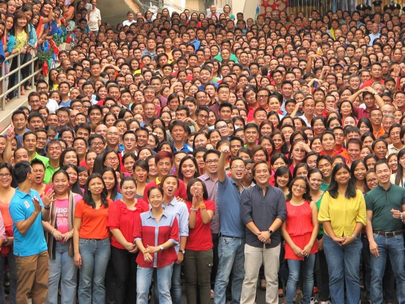 abs-cbn people gathers in unison!
