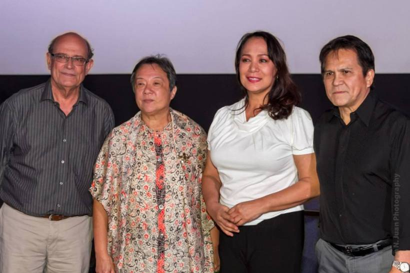 "ms. gloria diaz (2nd from right) with fellow actors at her classic film ""ganitoi kami noon, paano kayo ngayon?""- (from left) jaime fabregas, laila lim-perez and joey romero. this picture was taken at the opening night ceremonies of the showing of the restored version of the said filipino classic film- at the opening night of cinema one originals filmfest."