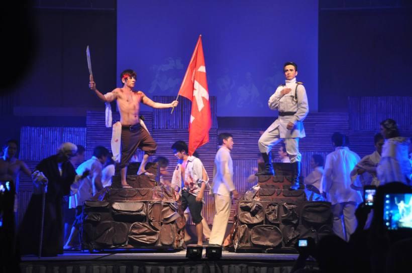 "vince atanada as andres bonifacio and kevin posadas as emilio aguinaldo in ""bonifacio: isang sarsuwela"""