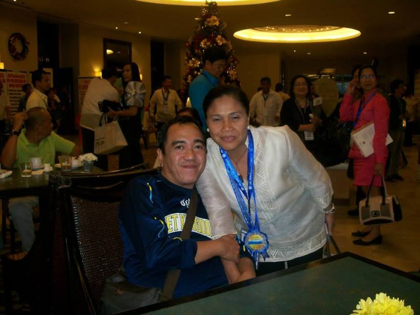 this blogger with a DepEd Superintendent from Bayawan, Negros Oriental at the ballroom of Taal Vista Hotel