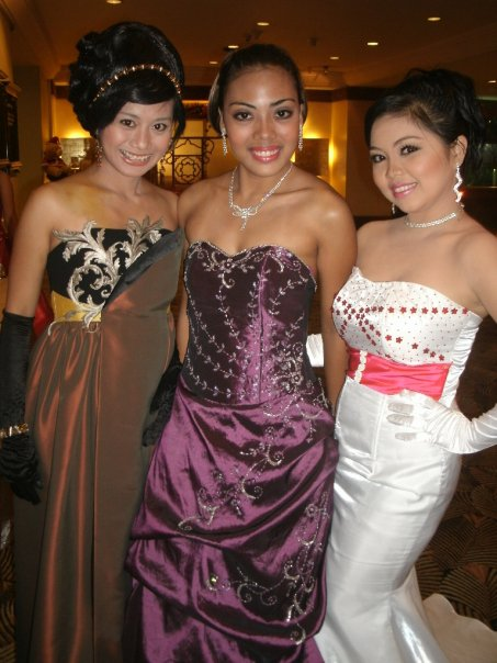 ms. jerie sanchez with fellow female Stagers in a Grand Ball evening gowns