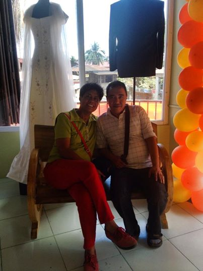 """THE """"BLOGGER"""" WITH MR. DAVE MACARIOLA IN A DRESS SHOP GENERAL TINIO"""