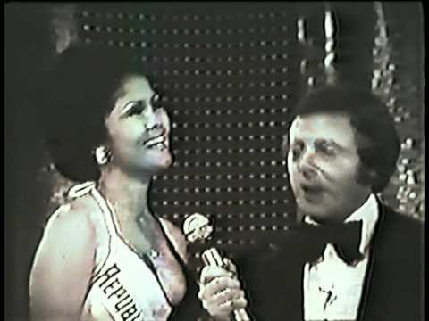 evangeline during her Miss World final Q & A interview portion