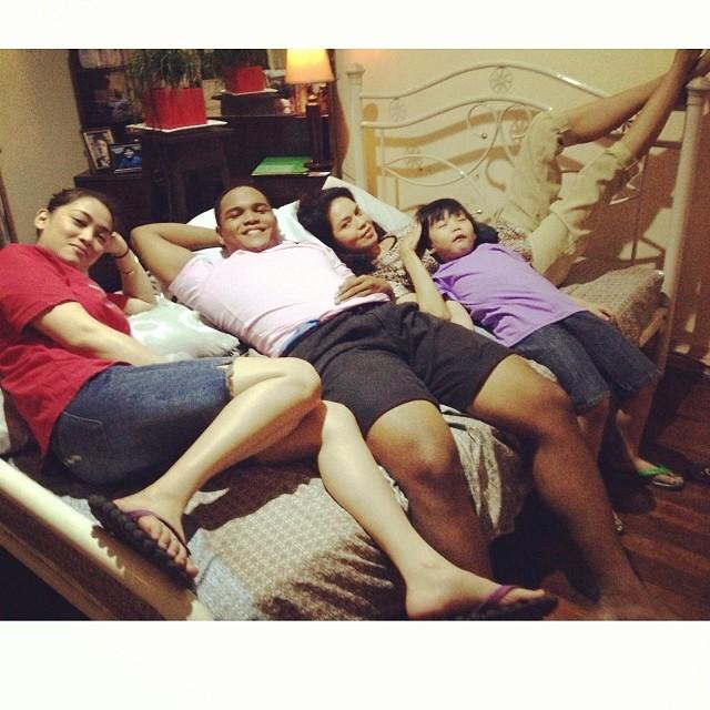 """si maribel at ang mga anak niya sa teleseryeng """"the legal wife"""": iba-ibang hitsura!"""