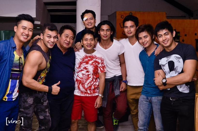 the celebrant, mr. chikki martin, flunked by his male models and direk maryo j. delos reyes.