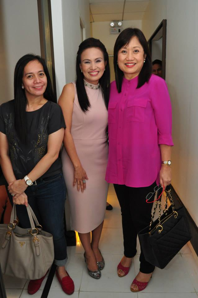 mrs prescy valenzuela-yulo (in the middle) flunked by two v.i.p.'s