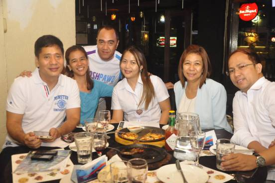 this blogger with mr. chikki martin, ms. jackie caja and her sister, and the marketing executives of ford car company as they all dined at COCOMOON RESTAURANT.