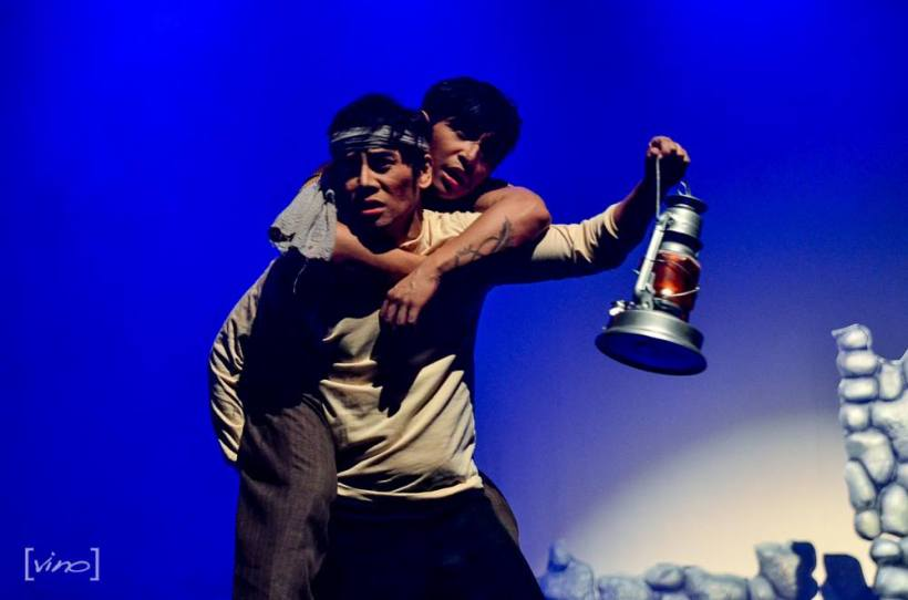 "vince and patrick libao: this scene in the play ""filipinas: 1941"" makes you cry"