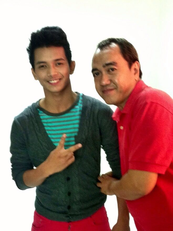 THIS BLOGGER WITH MR. MIGGY TOLENTINO IN A PHOTO-SHOOT.