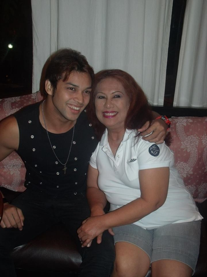 TIA PUSIT WITH ELITES MODEL KANE ROGAL