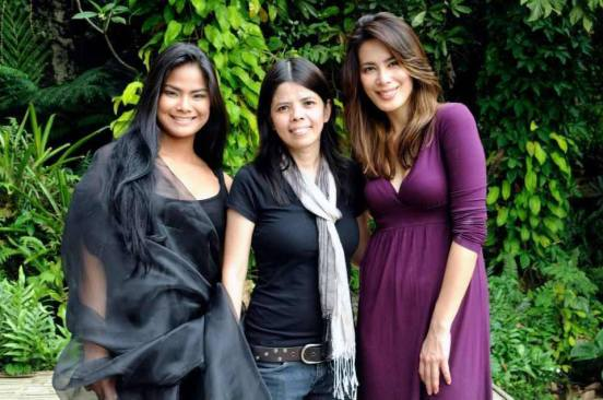 """np picadizo with the lead stars of """"astray"""": althea vega (left) and ms. angel aquino (right)"""