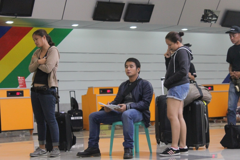 "jm de guzman rehearses his lines in ""that thing called tadhana"""