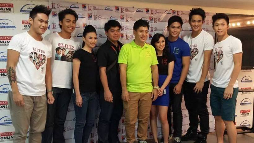 FREDERICK WITH THE ELITES MODELS AND MR. MARTIN MARTIN AT THE LAST ANNIVERSARY CONCERT OF THE STAGERS AT THE ARANETA COLISEUM