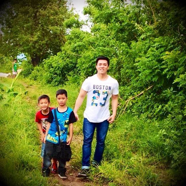 "mr. lance raymundo and the ""two kids"""