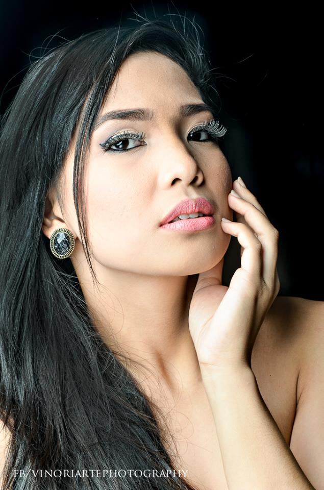 photographer vino oriarte captures ALENCE VILLANUEVA's exquisite beauty in this great photo head shot