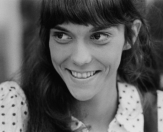 Smiling Karen Carpenter