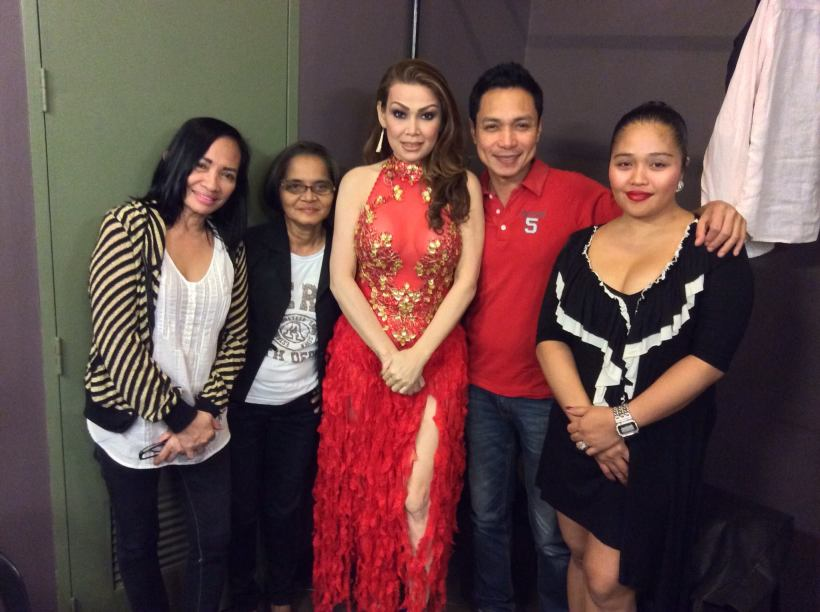 MS. MALU BARRY (in red), THE SPECIAL GUEST IN MICHAEL'S CONCERT, WITH FRIENDS AT THE BACKSTAGE