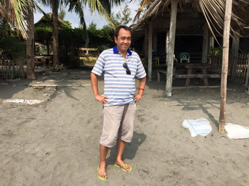 blogger SSSIP in iba, zambales' white castle beach resort