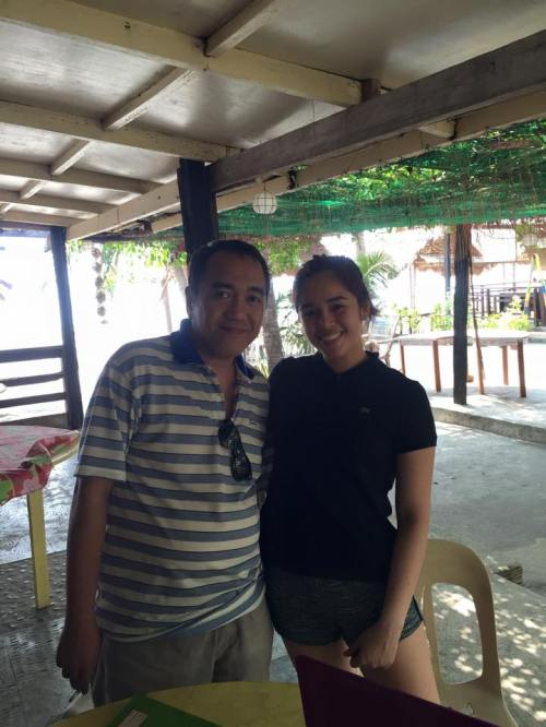 "denz with blogger sssip during the shoot of her film ""butanding"""