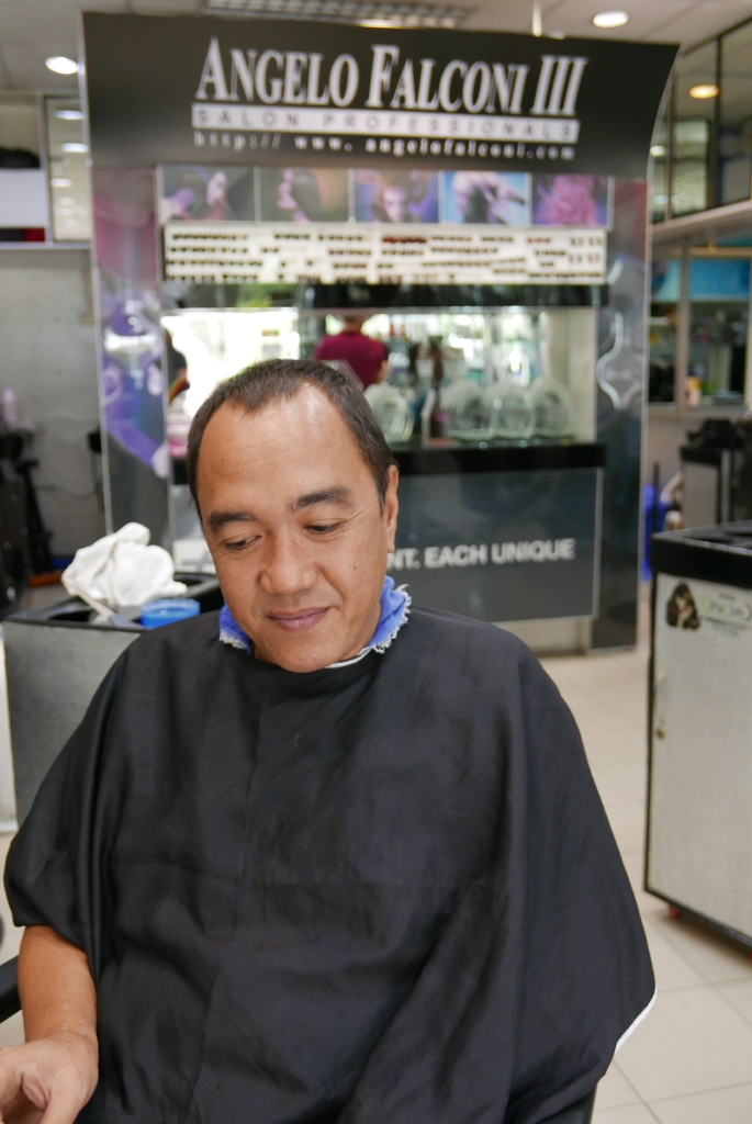 blogger sssip before the make-over while being treated for hair color at ANGELO FALCONI SALON