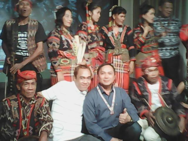 THIS BLOGGER WITH MAYOR FERRER AND THE GEUNUINE TRIBAL AND CULTURAL PERFORMERS OF KORONADAL CITY AT THE PRESS LAUNCH OF THE EVENT