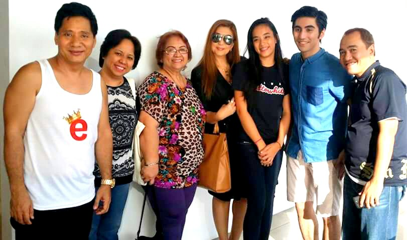 MS. TESSIE LAGMAN VISITS THE PHOTO SHOOT OF VIVIAN VELEZ' SON PATRICK, TOGETHER WITH MR. MARTIN MARTIN, DAUGHTER JING AND HER APO TISHA. BOTH PATRICK AND TISHA ARE NOW MODELS OF ELITES MODEL MANAGEMENT. MS. VIVIAN VELES IS WEARING SHADES ON THIS PICTURE.