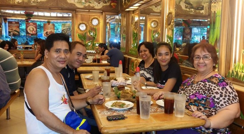 AFTER BIRTHDAY DINNER TREAT OF MS. TESSIE LAGMAN WITH FAMILY AND MR. MARTIN MARTIN AND BLOGGER SSSIP.*