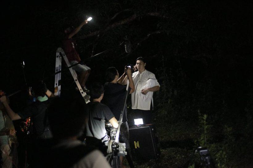 """actor mon confiado takes a scene on """"miss bulalacao"""""""