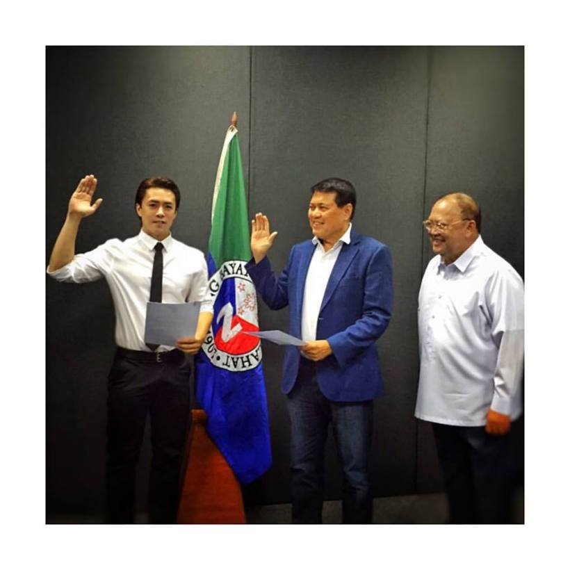 LANCE TAKES OATH, WITH MANNY VILLAR AND CONGRESSMAN RONNIE ZAMORA