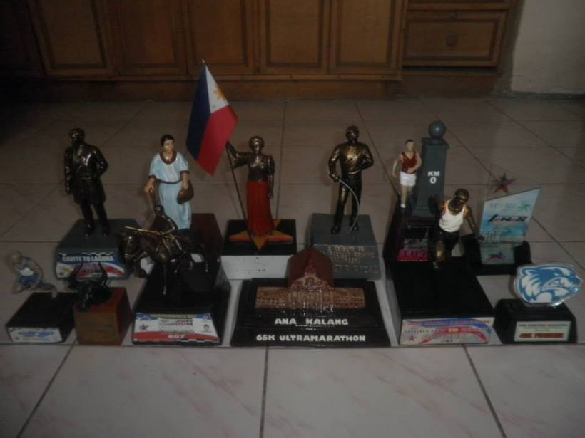 THE ULTRA MARATHON TROPHIES OF MR. ROBNSON ANDRES