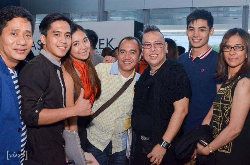 mr. martin (far left) with his elites models, blogger robert silverio, fashion icon junjun cambe and ms. jackie caja of merjacaj marketing