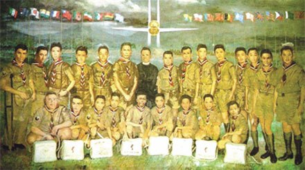 THE 20 BOY SCOUTS OF THE 11TH JAMBOREE