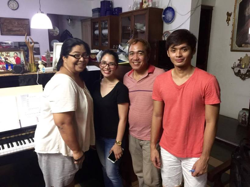 jansen aguilar (right), with (from left): ms. camille lopez molina, meldea chua and blogger sssip (in stripes red shirt).