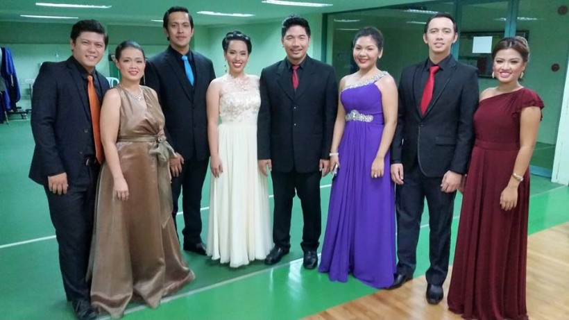 "CARLO WITH CO-MEMBERS OF THE CLASSICAL SINGING GROUP ""VIVA VOCE"""