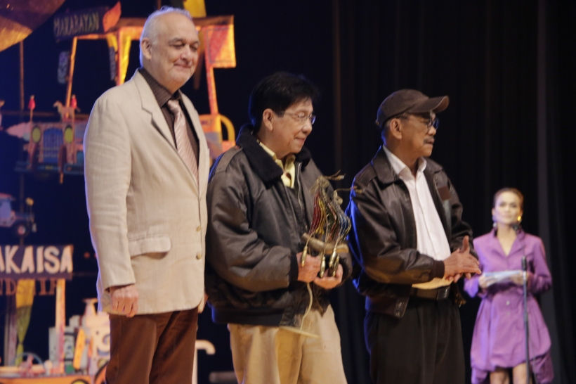 Best Supporting Actor award went to the ensemble cast of 'Hiblang Abo' featuring, from left, Leo Rialp, Jun Urbano, Lou Veloso and Nanding Josef (Not in photo). (Photo by Kiko Cabuena)